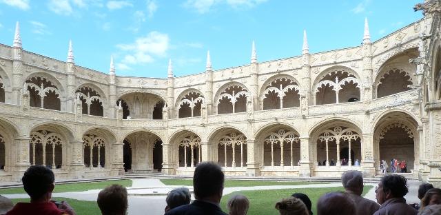 Belem. Le cloître du couvent St Jérôme.